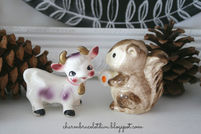 collectible vintage farm animal cow and pig salt and pepper shakers