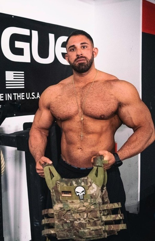 huge-beefy-men-with-muscles-alpha-gods-masculine-bearded-gym-daddies