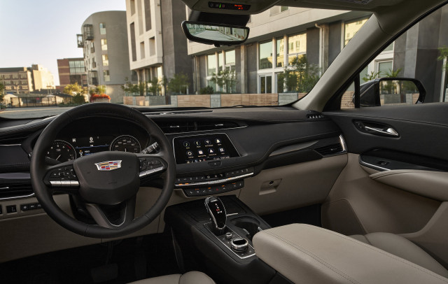 2022 Cadillac XT4 Review