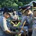 Kapolres Pessel AKBP Cepi Noval, S.I.K, Terima Penghargaan PIN Polisi Teladan Sebagai Penggerak Revolusi Mental Dari Kapolri