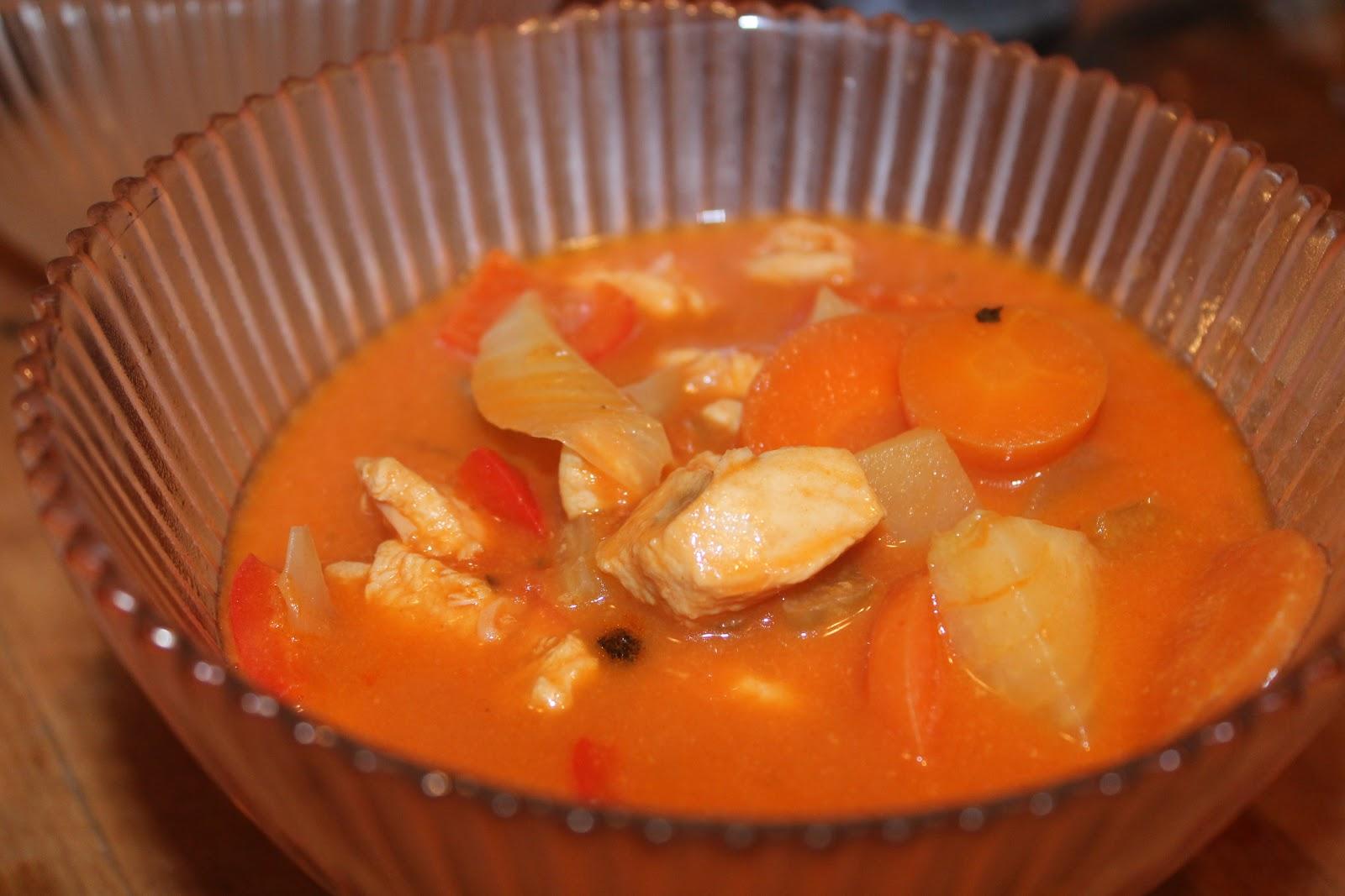 recettes faciles rapides soupe de poulet la tomate. Black Bedroom Furniture Sets. Home Design Ideas