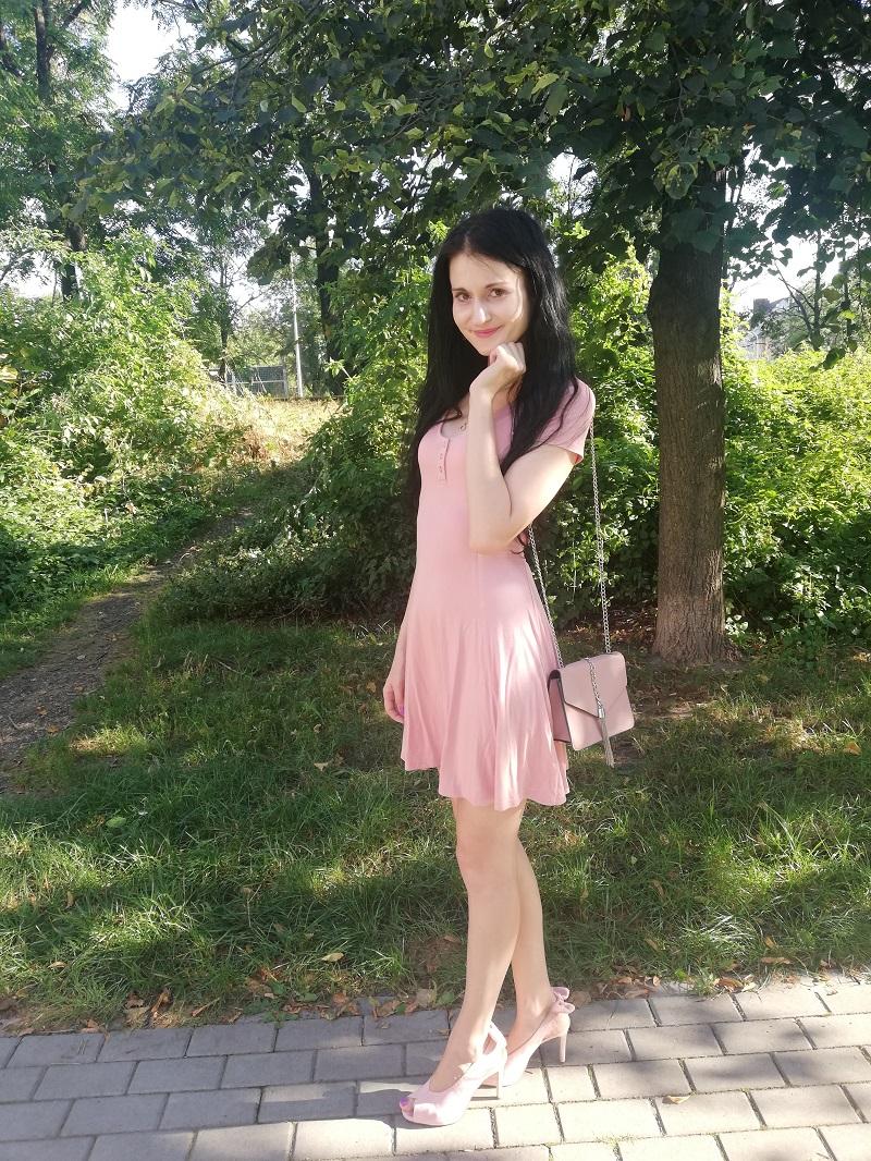 C&A różowa sukienka z wiskozy