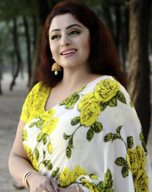 Bangladeshi singer Eva Rahman photo