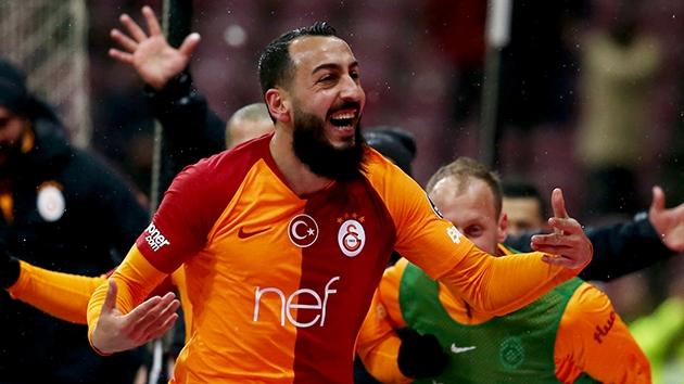 Kostas Mitroglou, Galatasaray'a veda etti.