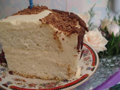 Бисквитно-заварной торт со сливками и грильяжем, Быстрый торт «1 сентября!», Как сделать шоколадные листья для украшения торта, Медовый торт-книга со сметанным кремом, Торт «1 сентября» с безе и вишнями, Торт «1 сентября» с кремом и глазурью, Торт «Букварь» с бананами и клубникой, Торт «День знаний», Торт к 1 сентября многослойный, Торт «Кроссворд» с абрикосовой прослойкой, Торт на 1 сентября «Карандаш» кремовый, Торт на 1 сентября «Школьный автобус», Торт «Прощай, садик — здравствуй, школа!», Торт «Спасибо за знания!» украшенный мастикой, Торт «Школьная тетрадь» — простое оформление, Торт «Школьный звонок», Шоколадные перья для украшения десертов (МК), «Ко Дню учителя» — творожный торт, «С Днем учителя!» бананово-ореховый торт, Торт на 1 сентября «Карандаш» кремовый Торт «Кроссворд» с абрикосовой прослойкой, Торт «Спасибо за знания!» украшенный мастикой, торты, торты школьные, торты на 1 сентября, торты для детей, торты для школьников, торты на день знаний, шоколадные листья, шоколадные перья, рецепты тортов, День знаний, 1 сентября, угощение, еда, кулинария, декор тортов, оформление тортов, оформление блюд, рецепты кулинарные, торты праздничные, школьное, про торты, школа, торты для первоклассников, первый звонок,Школьные торты. Рецепты, МК и идеи оформления, торты, торты школьные, торты на 1 сентября, торты для детей, торты для школьников, торты на день знаний, шоколадные листья, шоколадные перья, рецепты тортов, День знаний, 1 сентября, угощение, еда, кулинария, декор тортов, оформление тортов, оформление блюд, рецепты кулинарные, торты праздничные, школьное, про торты, школа, торты для первоклассников, первый звонок, торты на День учителя, торты на школьные праздники, Школьные торты. Рецепты, МК и идеи оформления,