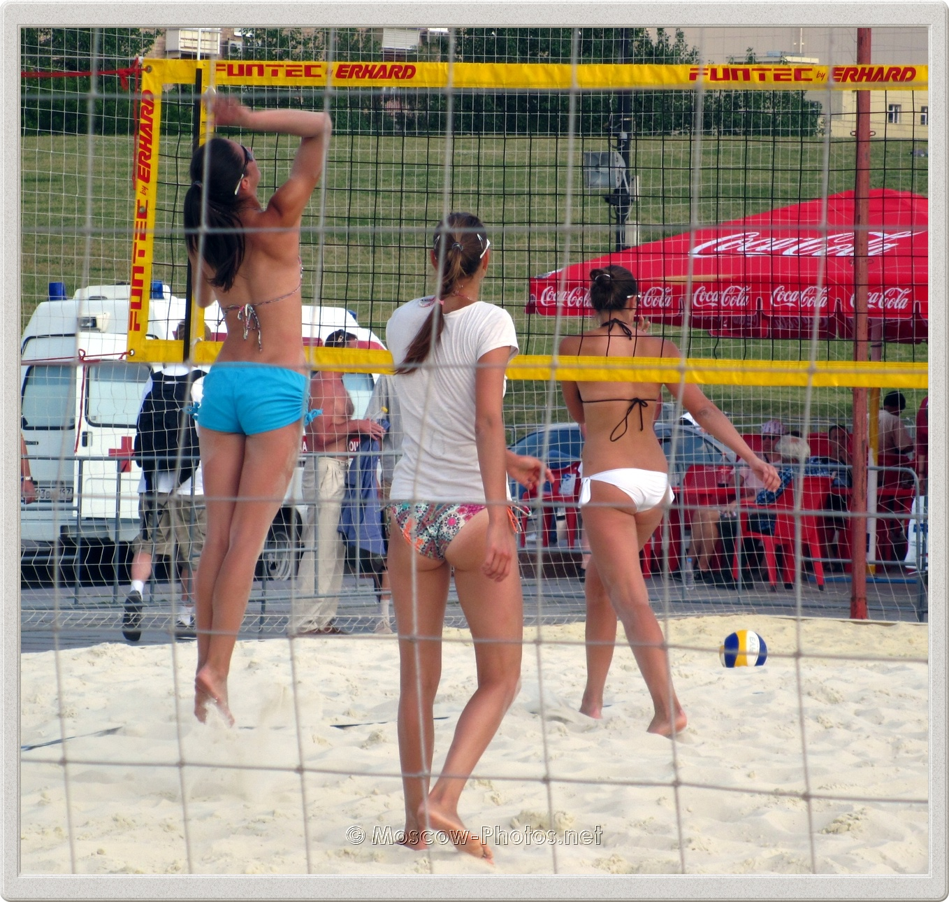 BEACH VOLLEYBALL TRAINING COURT