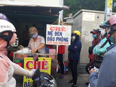 Chè mè đen - đậu phộng hơn 40 năm ở Sài Gòn
