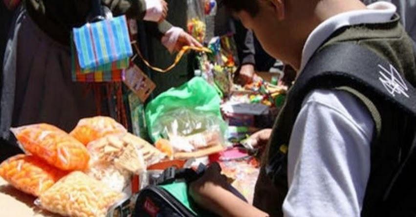 Prohibirán y multarán venta de comida «chatarra» cerca de colegios en el distrito de Breña
