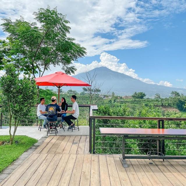 Lokasi & Harga Menu Kanvill Dau, Tempat Nongkrong di Malang View Bagus