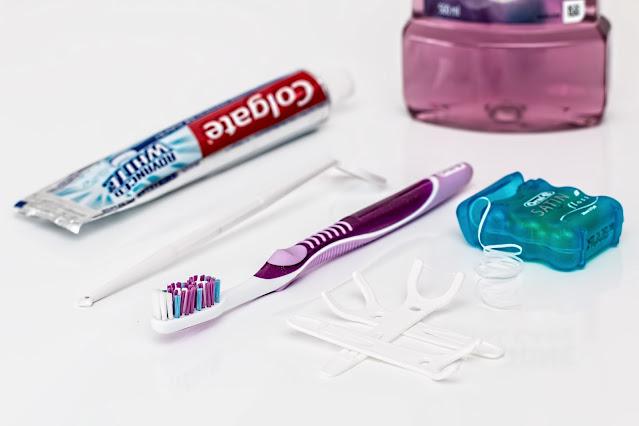 "alt=""right toothpaste"""