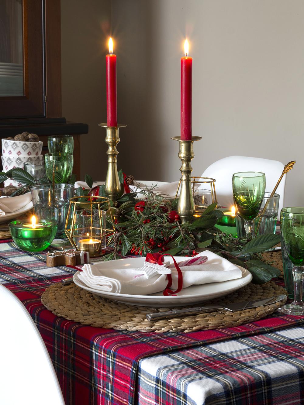 Nuestra mesa navideña en cuadros escoceses11