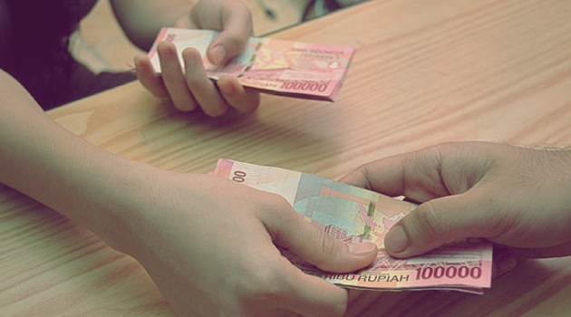 Muslimah, Lakukanlah 5 Hal Ini Agar Pendapatan Suami Bertambah Berkah