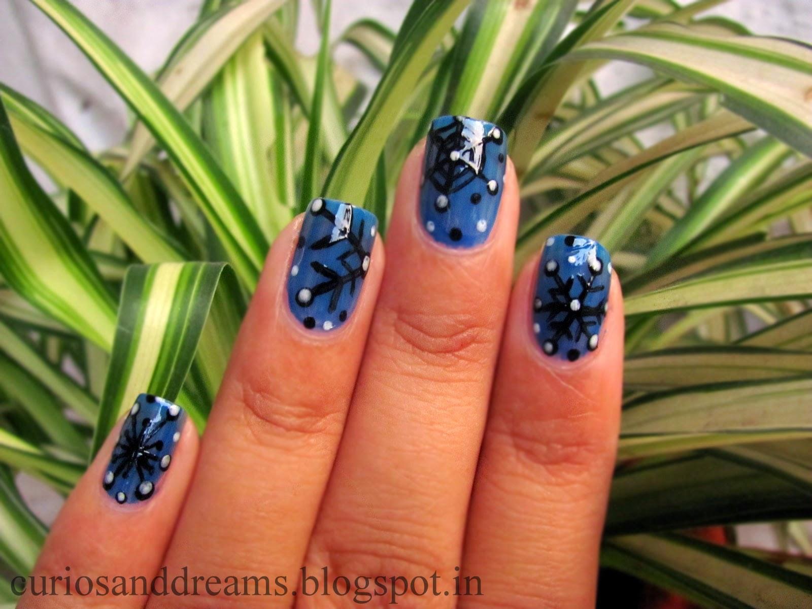 snowflake manicure, snowflake nailart, snowflake nailart design, christmas nailart design
