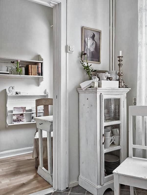 Nutka romantyzmu - wystrój wnętrz, wnętrza, urządzanie domu, dekoracje wnętrz, aranżacja wnętrz, inspiracje wnętrz,interior design , dom i wnętrze, aranżacja mieszkania, modne wnętrza, shabby chic, styl romantyczny, romantyczne wnętrza, koronki
