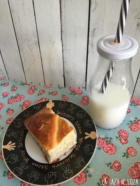 coca-de-san-juan-con-leche-fría