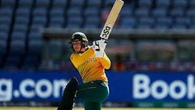 Lizelle Lee made 101 runs in 60 balls.