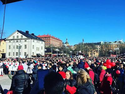 Röda tråden, en demonstration för de ensamkommande mars 2017. Här fanns hjälpare från hela Sverige.