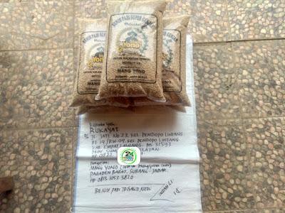 Benih padi yang dibeli    RUKAYAT Empat Lawang, Sumsel.  (Sebelum packing karung )
