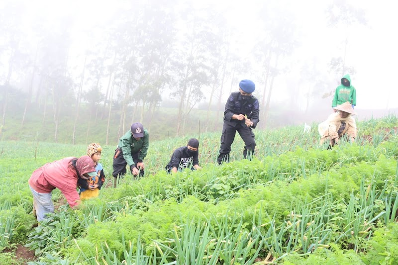 Rumah Koran Bersama Sat Brimob Polda Sulsel Sinergi Memajukan Pertanian
