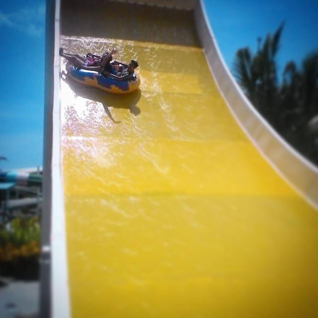 foto wahana seru di circus waterpark bali