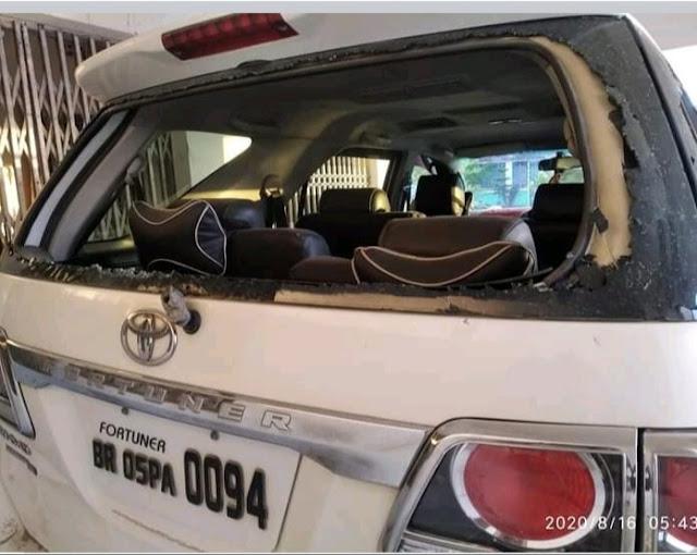 पूर्व विधायक की गाड़ी पर भीड़ ने किया हमला, ड्राइवर और बॉडीगार्ड समेत 4 घायल