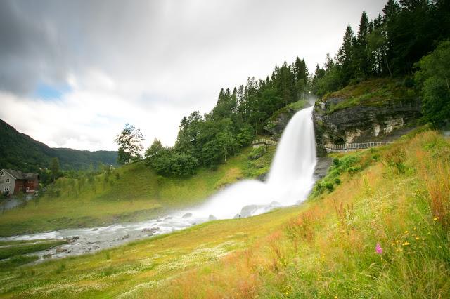 Cascata Steinsdalfossen