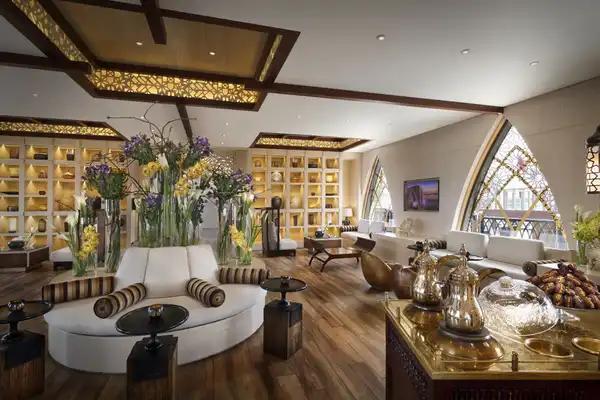 lobby banana island