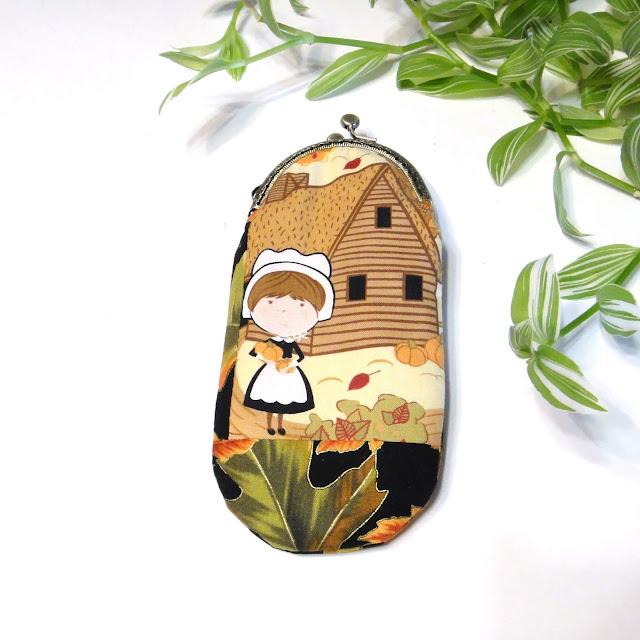 Женский очечник из ткани - ручная работа, единственный экземпляр, подарок женщине учительнице