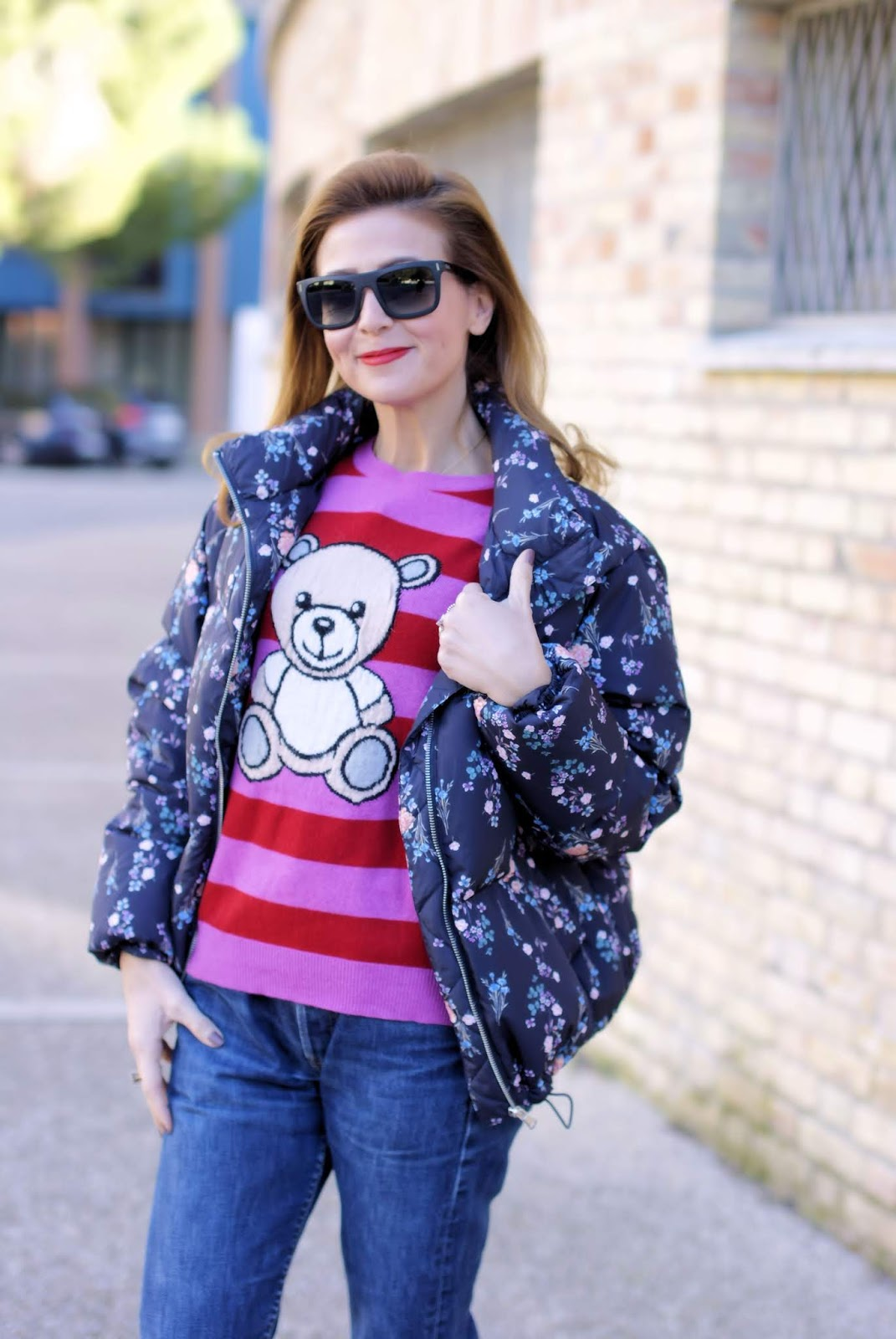 Floral padded jacket: 80s inspired casual look on Fashion and Cookies fashion blog