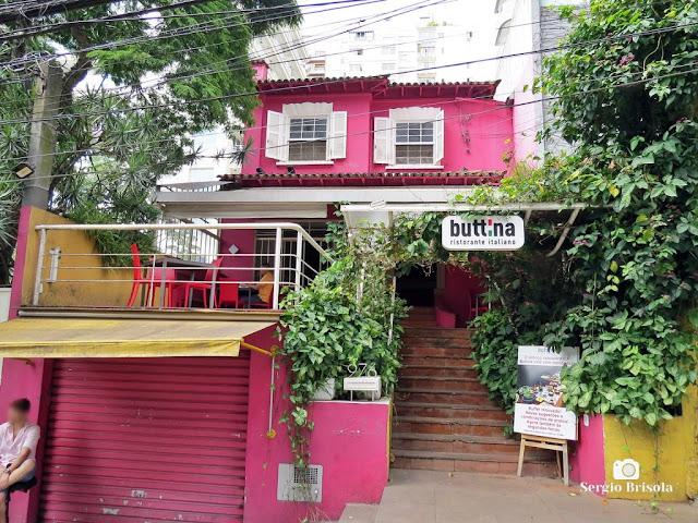 Vista ampla do casarão que abriga o Buttina Ristorante - Pinheiros - São Paulo