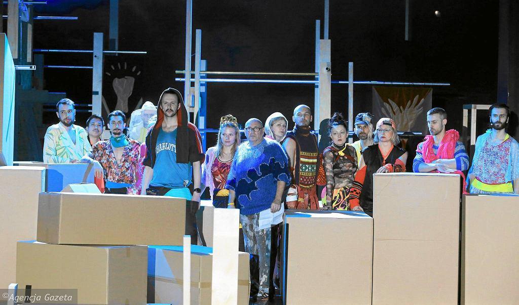 43773ea3d Nowe zjawisko: teatr dla dzieci i młodzieży staje się w Polsce coraz  dojrzalszy, a teatr dla dorosłych na potęgę dziecinnieje.
