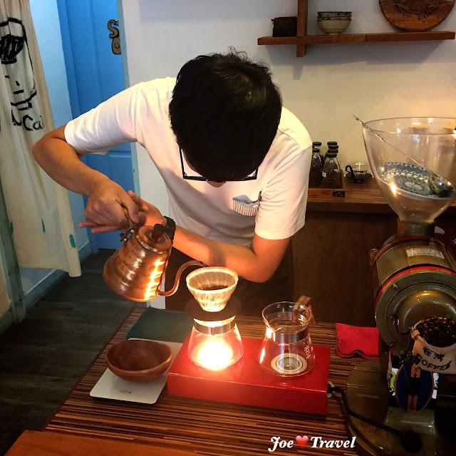 aillis201511032300116 - 【台中假文青特輯】 DanMan Cafe 用碗公品嘗的咖啡,在喧鬧的鬧區度過寂靜的一天