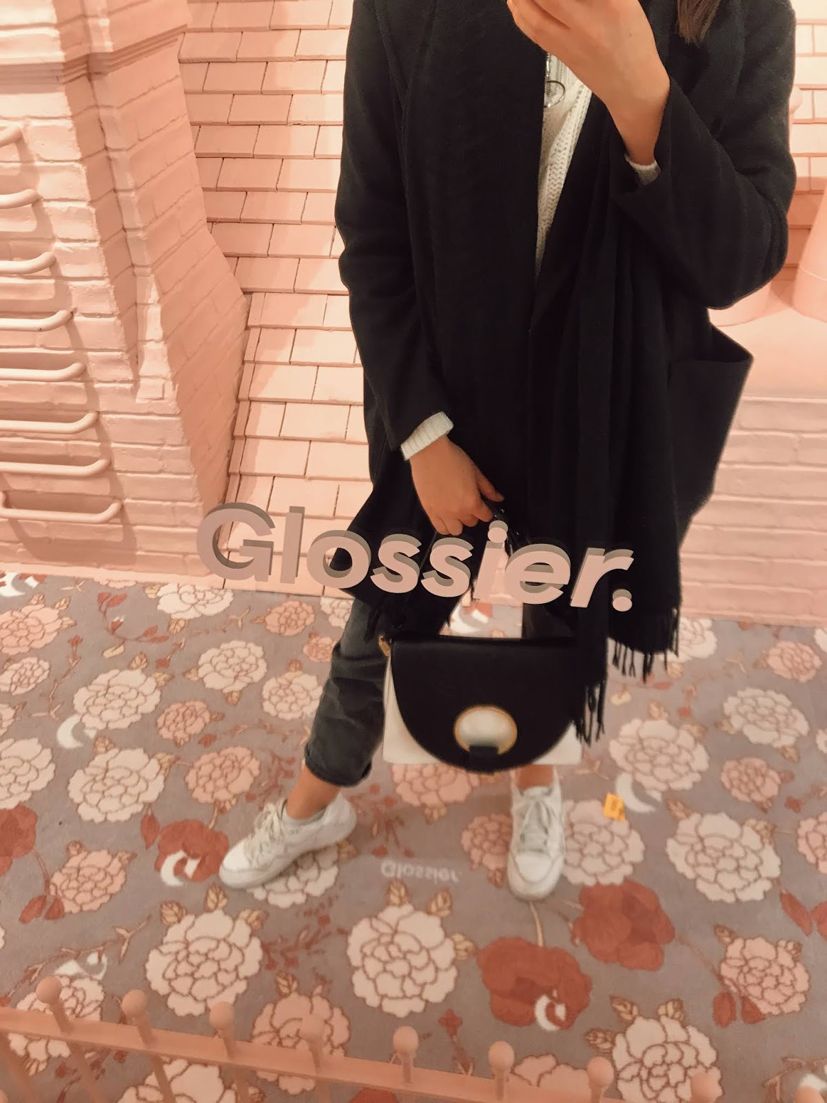 The Glossier London Pop Up Shop Is Here! // Lauren Rose Style // Beauty Blogger