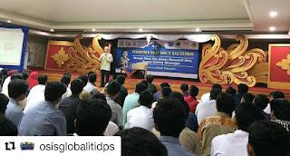 SMK TI Bali Global Gelar Pesantren Kilat Bersama Ustad Wijayanto