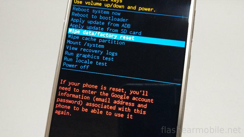 Reseteando un dispositivo Motorola a través de Menú Recovery