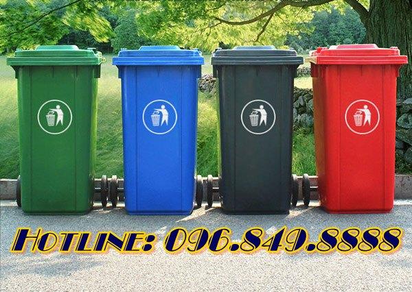 Đa dạng phiên bản màu sắc với thùng rác nhựa