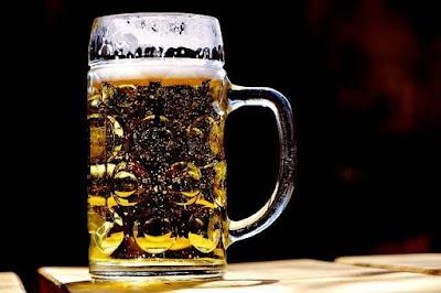 هل البيرة تخفض الضغط؟ هل يمكنك شربها؟