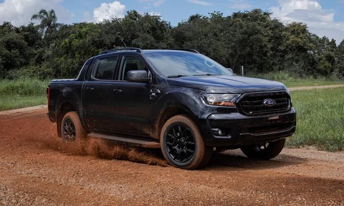 Ford lança Ranger Black