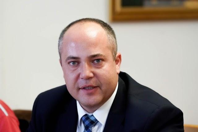 A városi segélyalapnak ajánlották fel havi tiszteletdíjukat a debreceni fideszesek