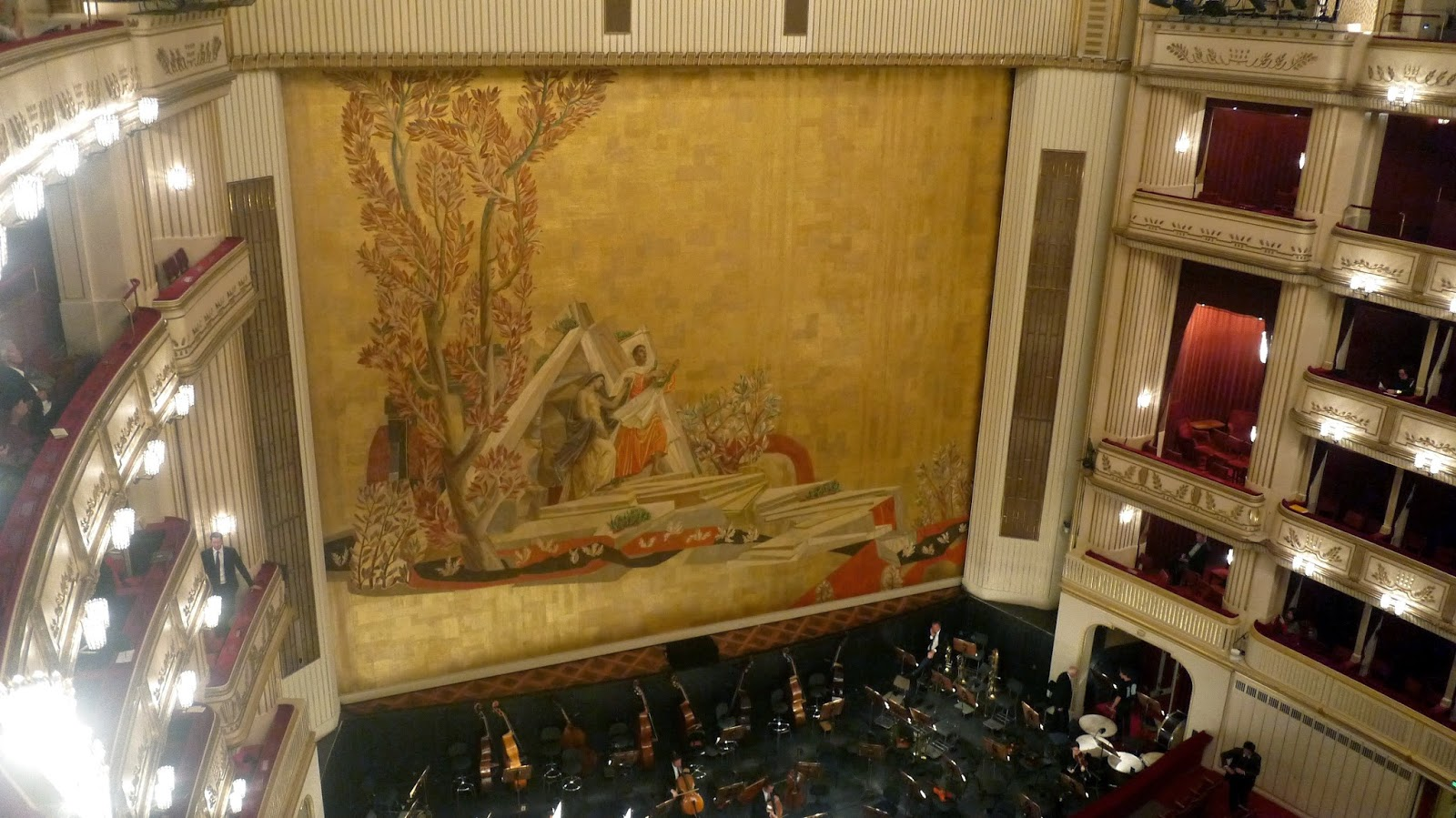 inside vienna opera house