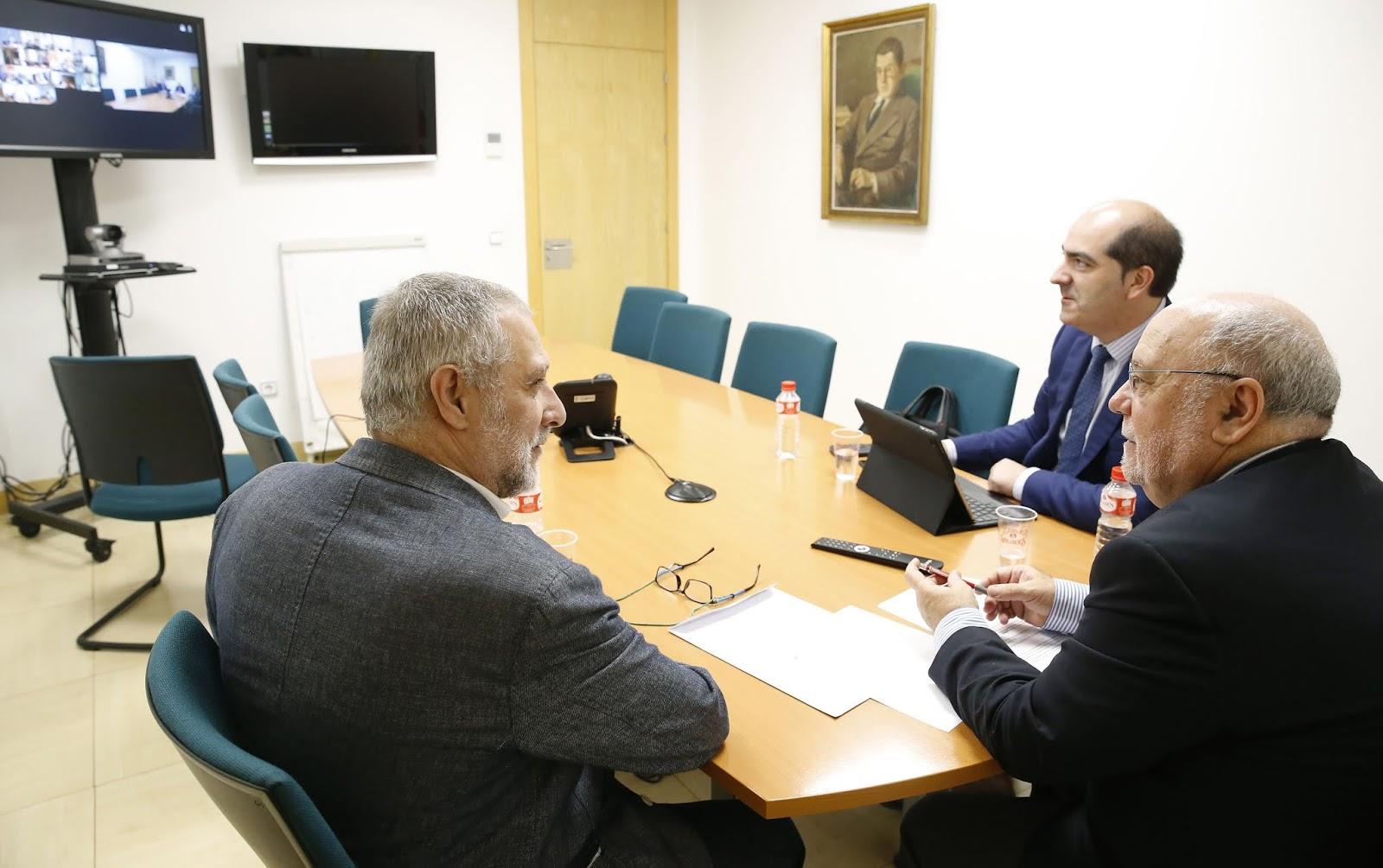 Torrelavega, cruce de caminos: Santander: Sota apoya la reanudación ...