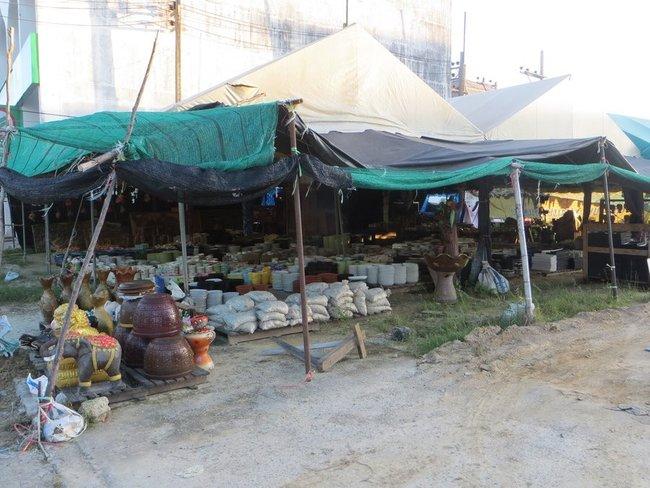 Уличный магазинчик в Краби