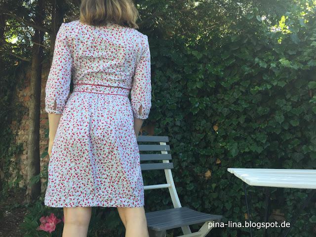 Kleid Ditte aus der La Maison Victor in Baumwollestoff mit Kirschen