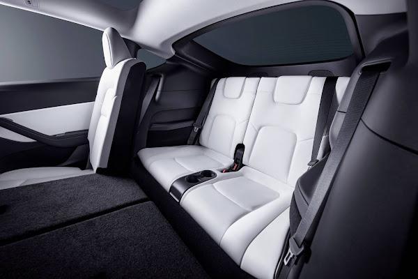 Tesla Model Y ganha nova versão de acesso e opção de 7 lugares