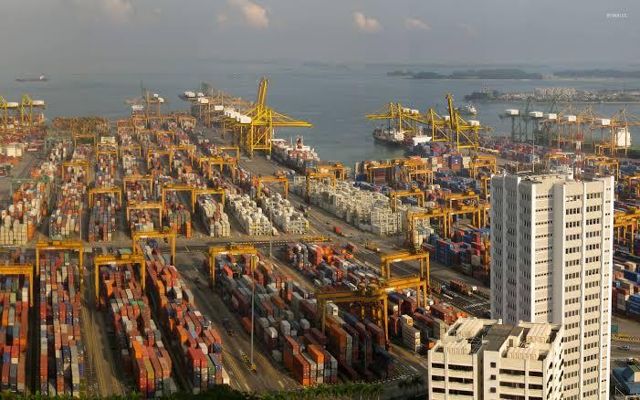 Singapur busca vacunar a 10.000 trabajadores marítimos en enero