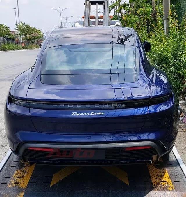 Porsche Taycan đầu tiên về Việt Nam - 'Siêu phẩm' nhanh, mạnh hơn nhiều siêu xe khủng của đại gia Việt