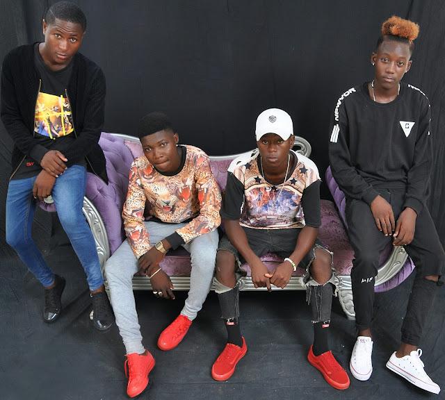 http://www.mediafire.com/file/e3ucod1yb96p9pt/Team+Four+Fire+-+Mo%C3%A7a+louca+%28Afro+Naija%29.mp3
