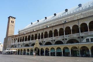 Palacio de la Razón o Palazzo della Ragione de Padova.