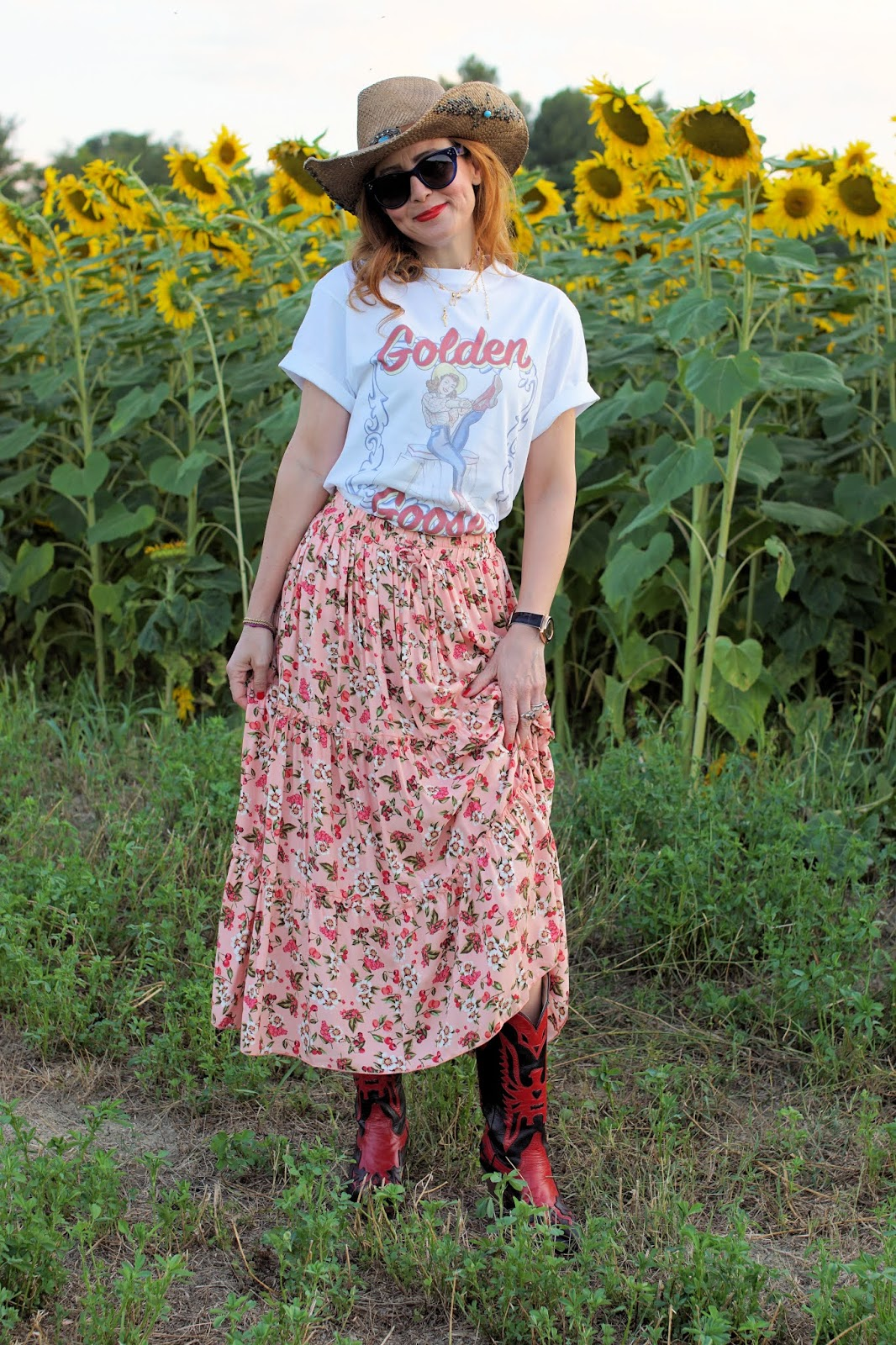 How to wear a maxi skirt in Summer, country style on Fashion and Cookies fashion blog, fashion blogger style