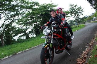 Cecen Core & Epi Friezta Dewi Hasibuan : Pre-wedding Motor Kawasaki Ninja